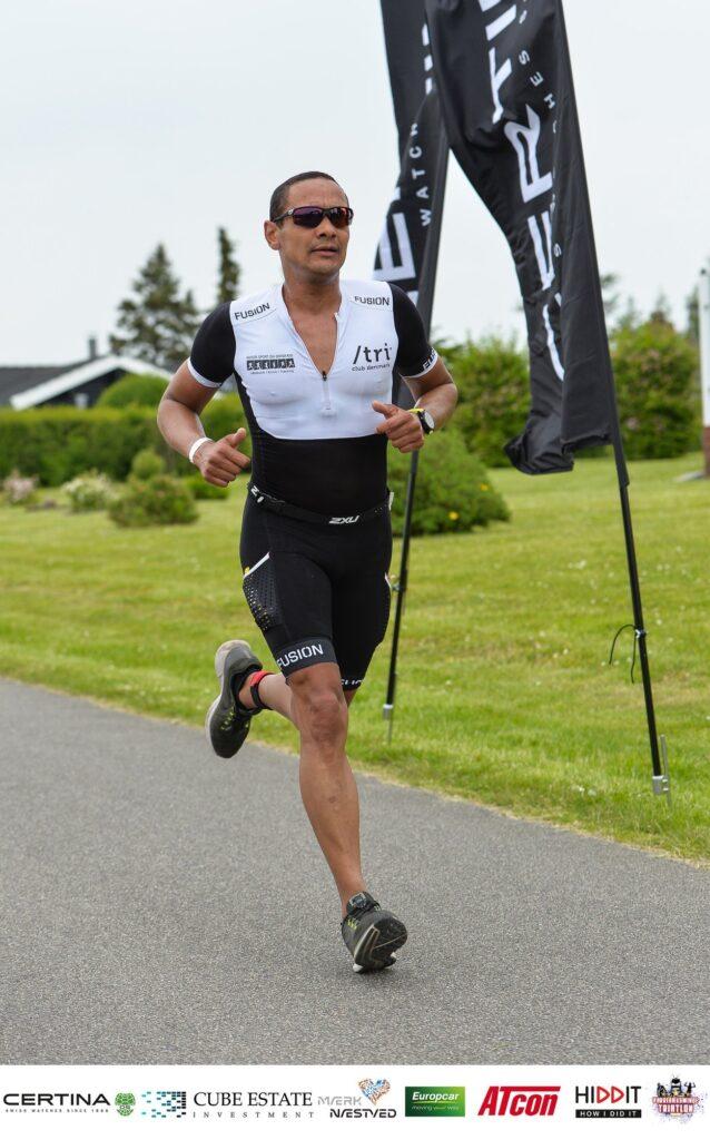 En atlet der løber - Muskler, led og sportssmerter