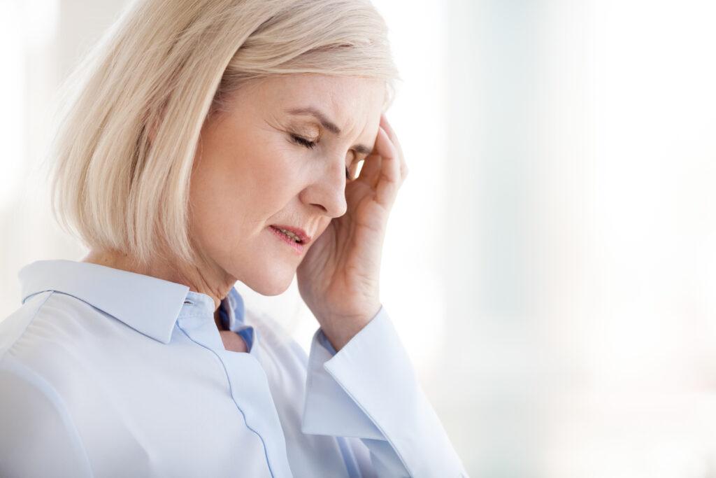 En dame der har hovedpine - Hovedpine